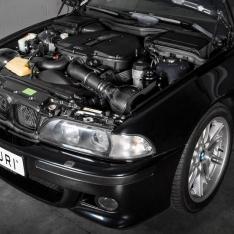 BMW E39 M5 – Black Carbon Intake